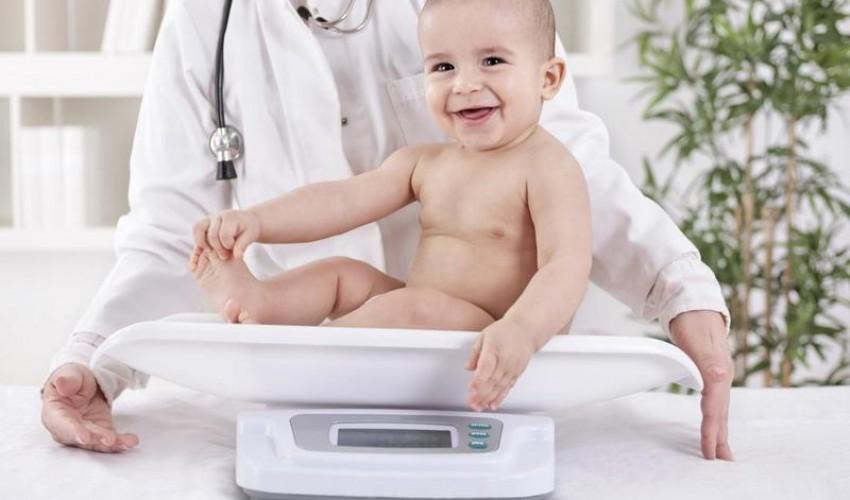 علامات زيادة وزن الرضيع