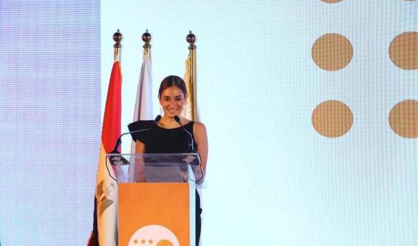 أمينة خليل بعد تنصيبها سفيرة فخرية: حان وقت العمل لتحسين حياة النساء