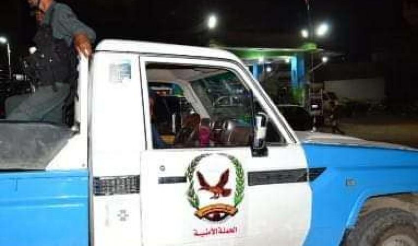 عاجل : شرطة صنعاء تضبط مواطنا أقدم على قتل أحد رجال الشرطة في شارع الستين وتكشف تفاصيل دقيقة عن الجريمة ..!!