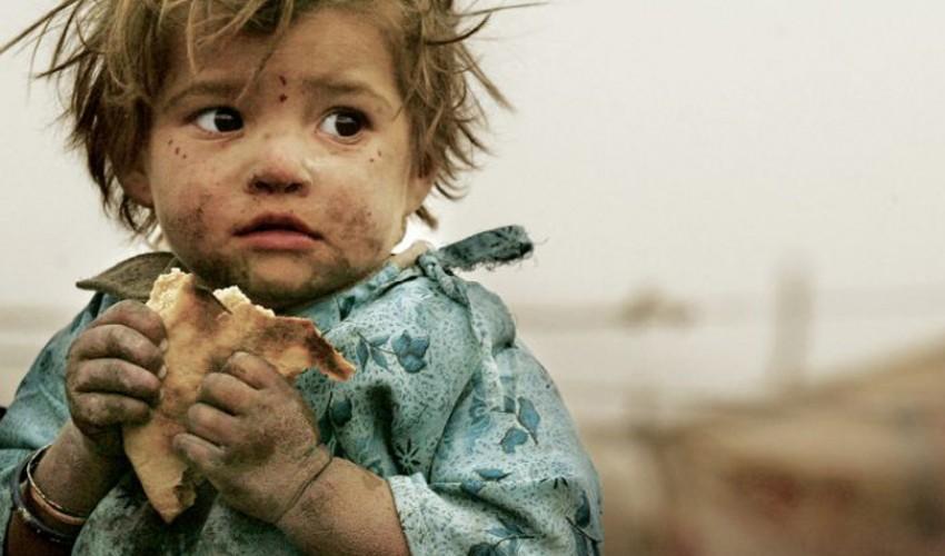 الدولار يواصل «سحق» الريال اليمني في «صنعاء» و«عدن» وأرتفاع أسعار السلع الاستهلاكية يهدد ملايين اليمنيين بشبح المجاعة
